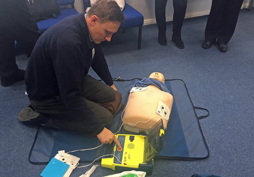 /News Items/Defibrillator-Training-10.10.175e